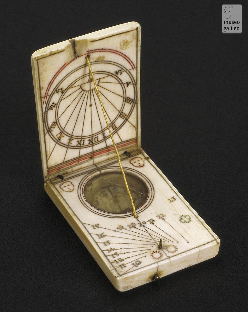 taglia 40 4a417 9b0fb Museo Galileo - Orologio solare dittico